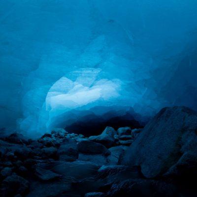 Ein Hauch von Licht durchquert das Eis - Morteratschgletscher - 21. Dezember 2014